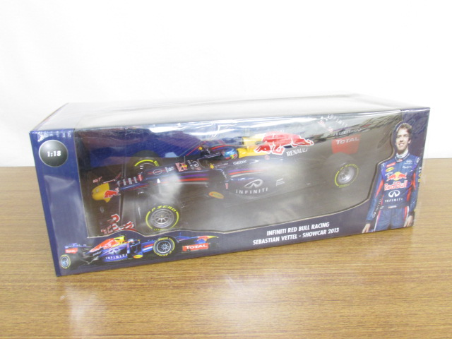 MINICHAMPS(ミニチャンプス) 1/18 Infinity Red Bull Racing S.Vettel, Showcar 2013 #1