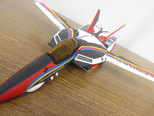 アルカディア 1/60スケール 完全変形ヴァルキリーVF-1J 30周年塗装機