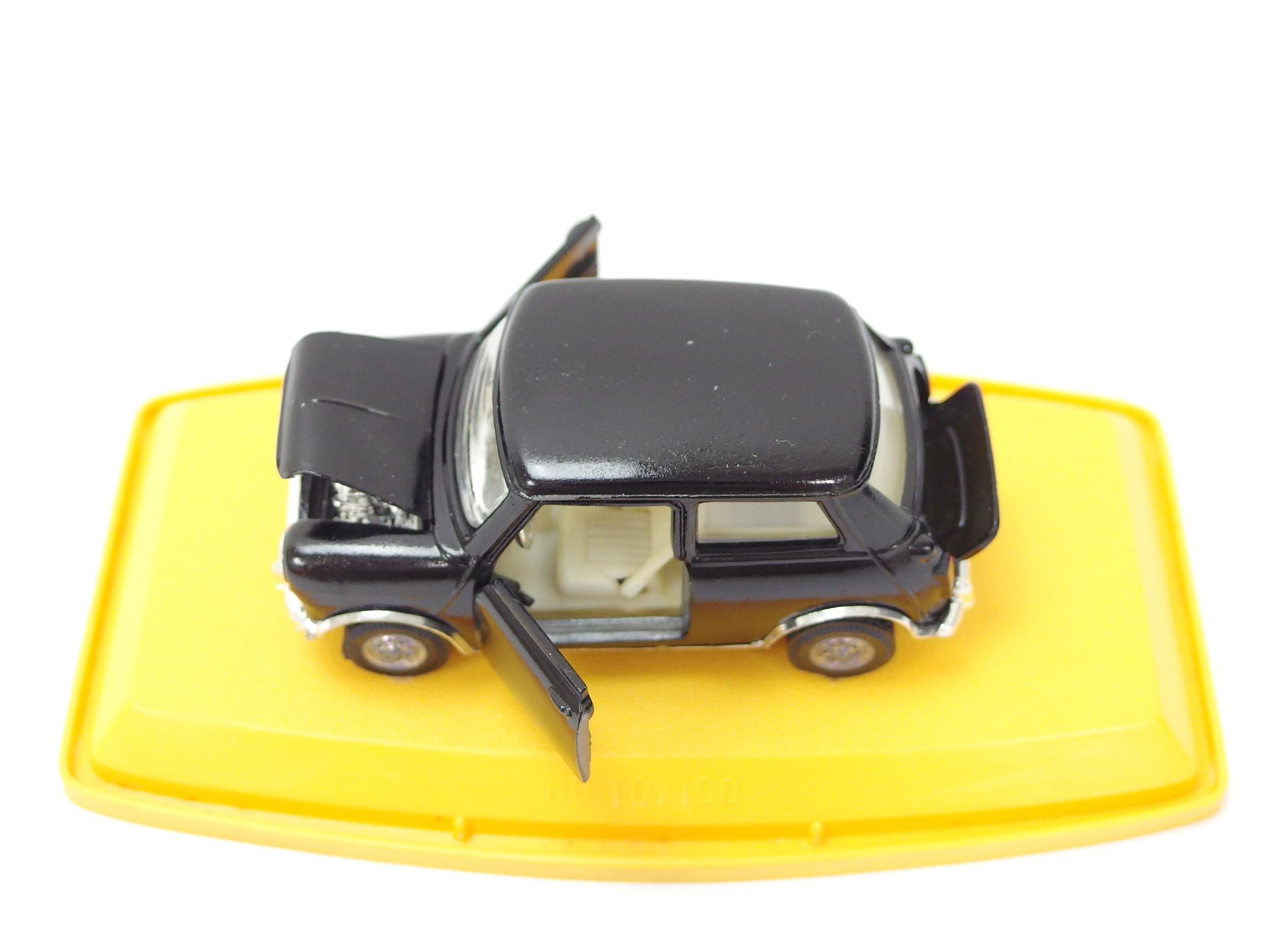 AUTO PILEN オートピレン 1/43スケール MINI COOPER ミニクーパー ブラック